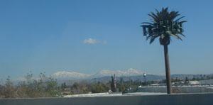 カリフォルニアの雪山mountain3.jpg